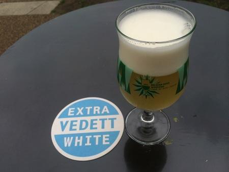 Vedett white
